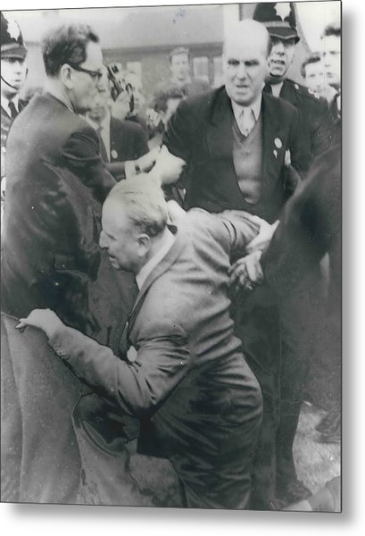 Sir Oswald Mosley Dies In Paris Metal Print by Retro Images Archive