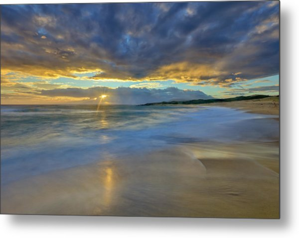 Sunrise Above Kawaaloa Bay On Molokais Metal Print
