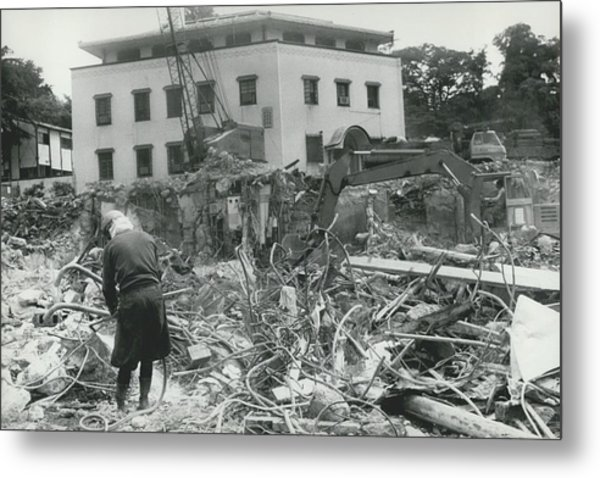 �hoover�s Folly� In Tokyo Demolished Metal Print by Retro Images Archive