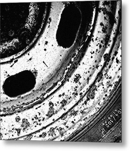 Rusty Rim Metal Print