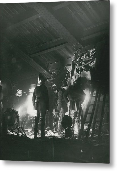 64 Killed In Lewis Ham Rail Disaster Metal Print by Retro Images Archive