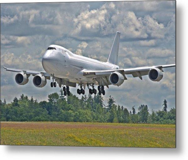 747 Landing Metal Print