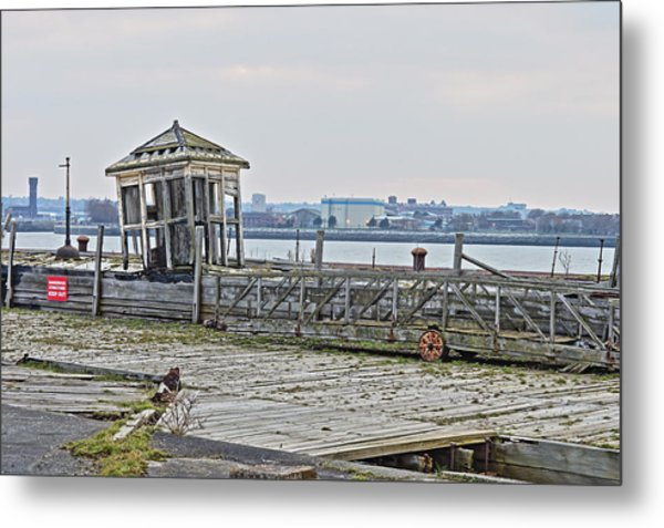 A Derelict Kiosk On A Disused Quay In Liverpool Metal Print