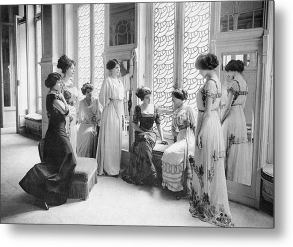 A Group Of Mannequins Relax  And Chat Metal Print by Mary Evans Picture Library