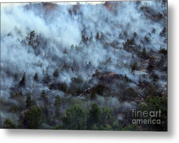 A Smoky Slope On White Draw Fire Metal Print