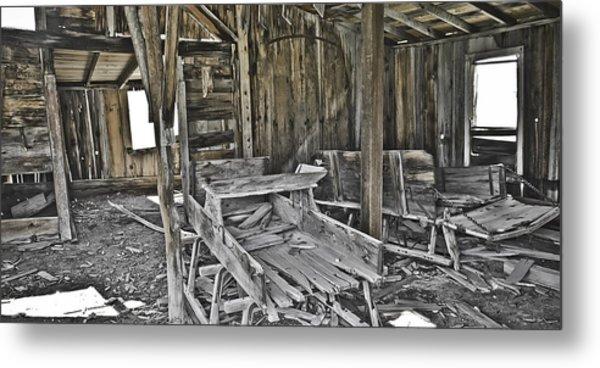 Abandon Barn Metal Print by Richard Balison