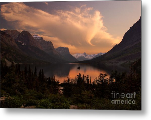 Afterglow Over Wild Goose Island In Saint Mary Lake Metal Print