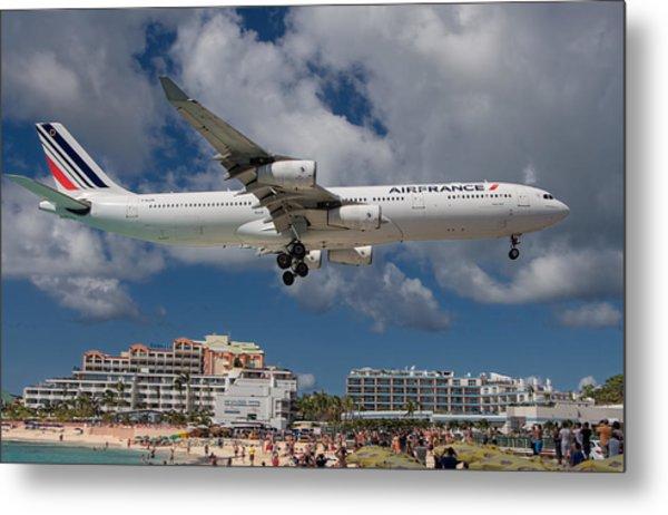 Air France Landing At St. Maarten Metal Print