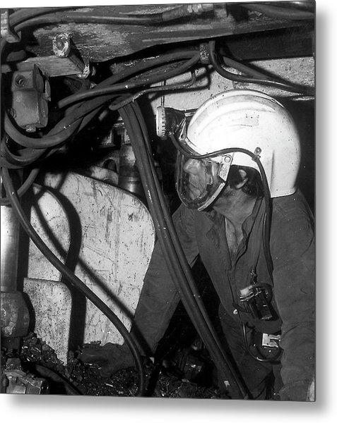 Airstream Helmet Coal Mine Tests Metal Print by Crown Copyright/health & Safety Laboratory Science Photo Library