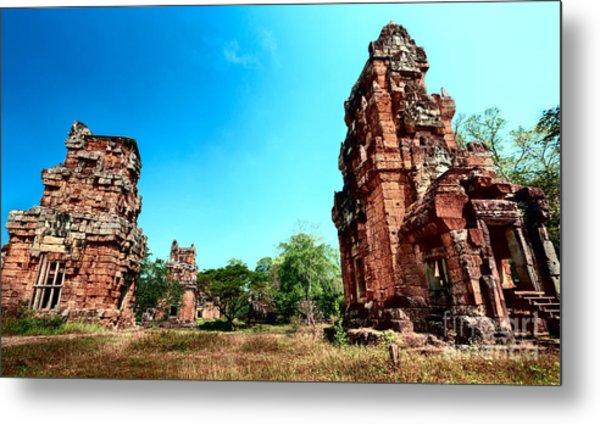 Angkor Wat Ruins Metal Print