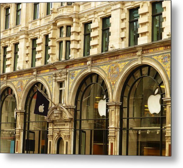 Apple On Regent Street Metal Print