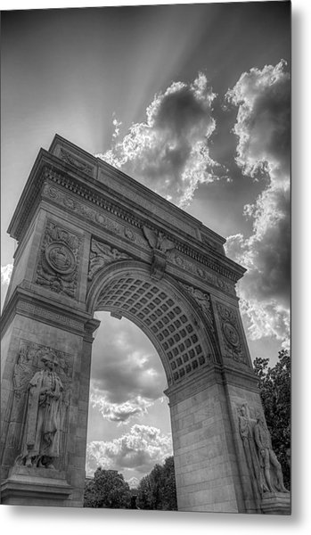 Arch At Washington Square Metal Print