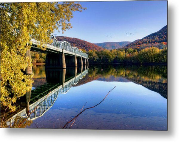 Arch Street Bridge In Autumn Metal Print