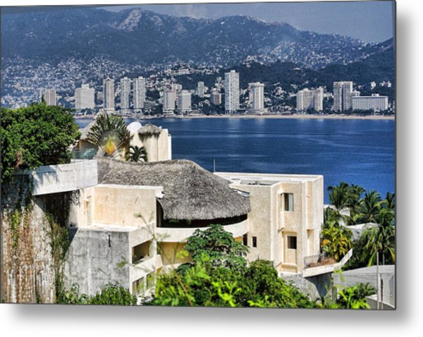 Architecture With Ith Acapulco Skyline Metal Print by Linda Phelps