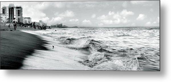 As The Tide Rolls In Metal Print by Cher Ferroggiaro