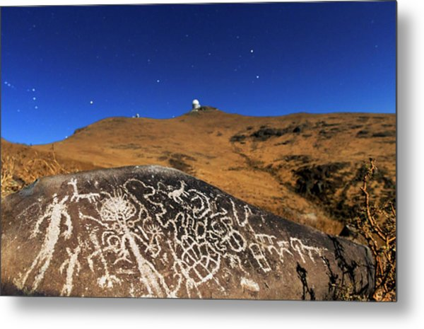 Atacama Rock Art And Astronomical Observatories Metal Print by Babak Tafreshi/science Photo Library