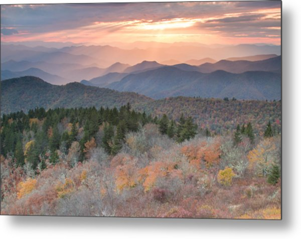 Autumn's Resplendence Metal Print by Doug McPherson