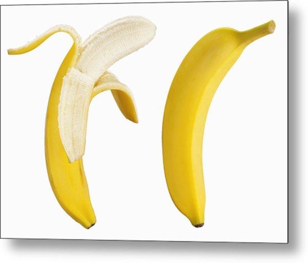Bananas On White Metal Print by Lew Robertson