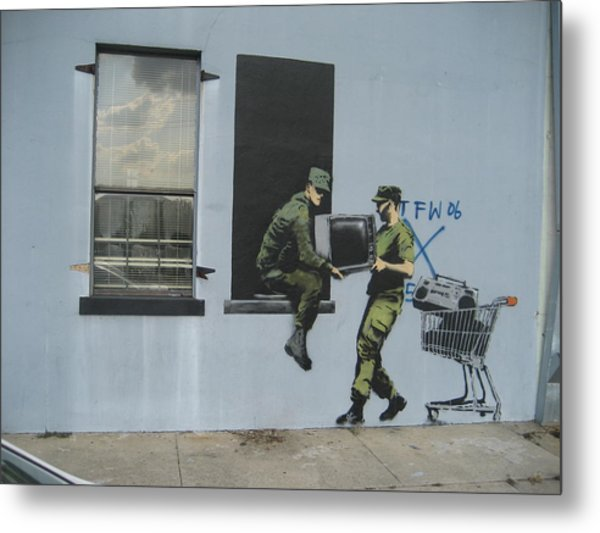 Banksy Looters In New Orleans Metal Print