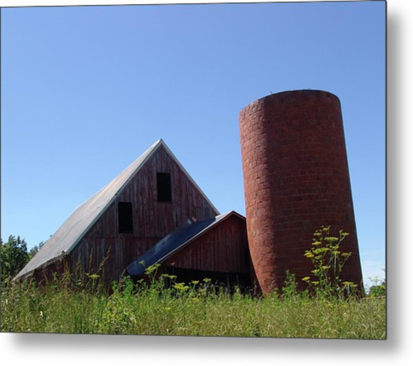 Barn And Silo 2123 Metal Print