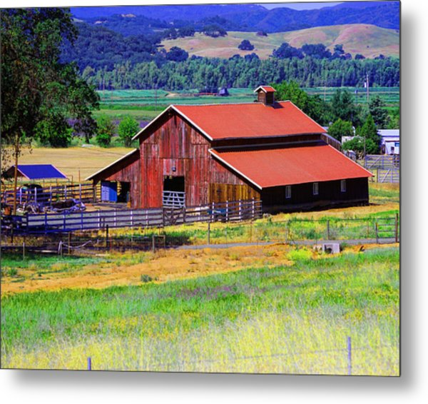 Barn On Route To Fort Bragg Metal Print