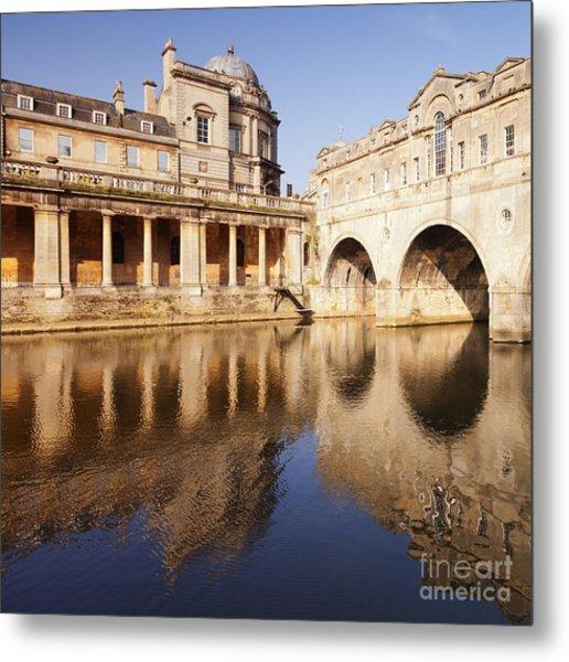Bath Pulteney Bridge And Colonnade Bath Metal Print by Colin and Linda McKie