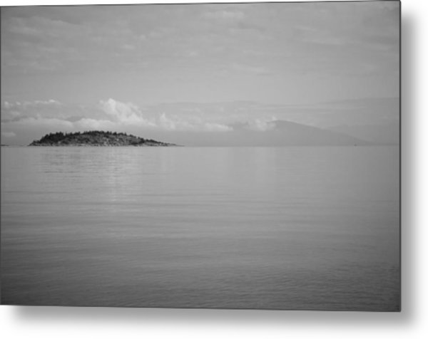 Be Still My Ocean  Metal Print