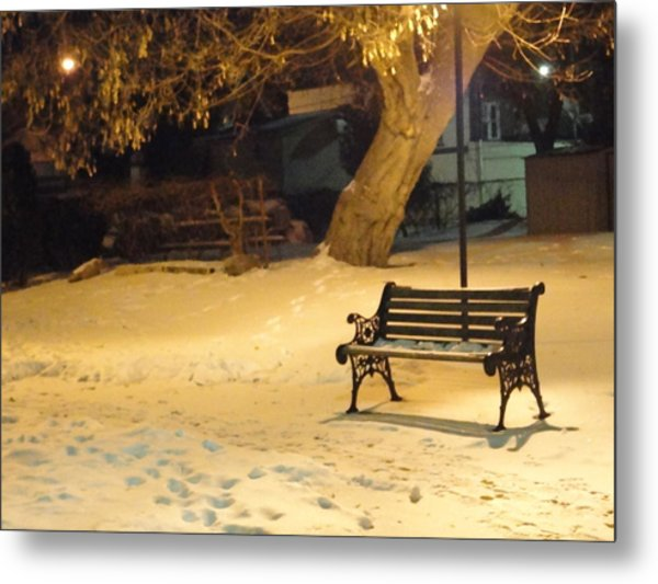 Bench In The Winter Park Metal Print by Guy Ricketts
