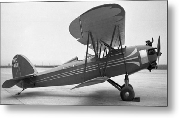 Bird Sport With Kinner Engine Metal Print by Hank Clark