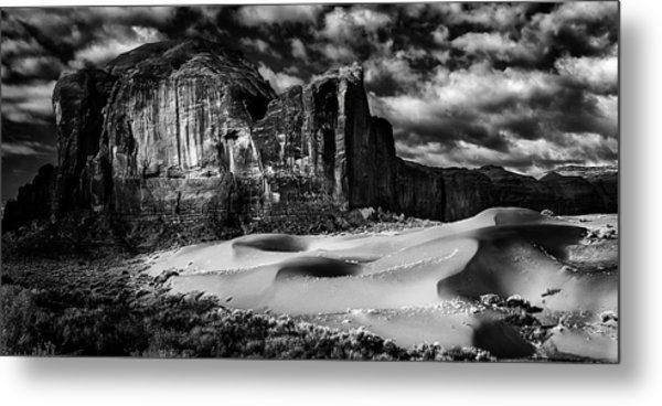 Black And White Sands At Monument Valley Metal Print