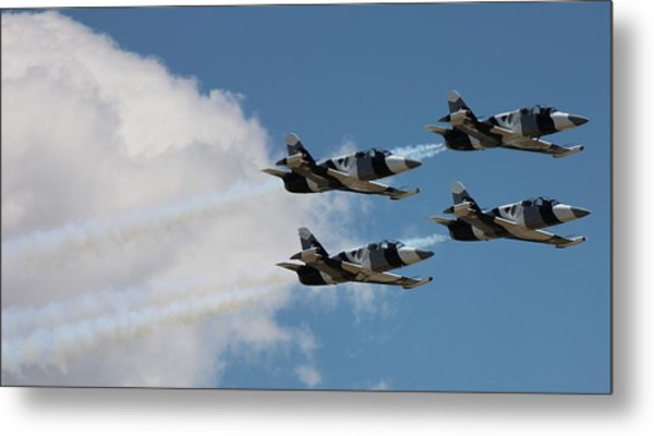 Black Diamond L-39s In Flight Metal Print