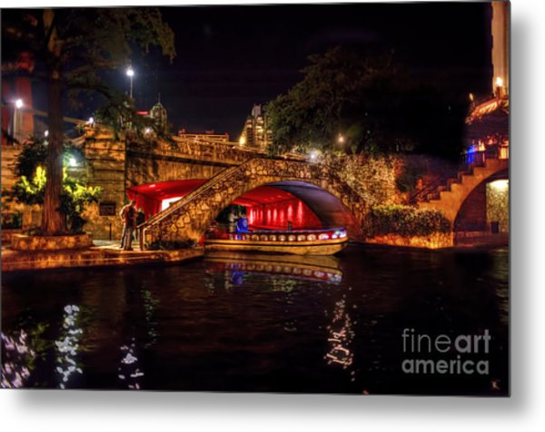 Boat On Canal Riverwalk San Antonio At Night Metal Print