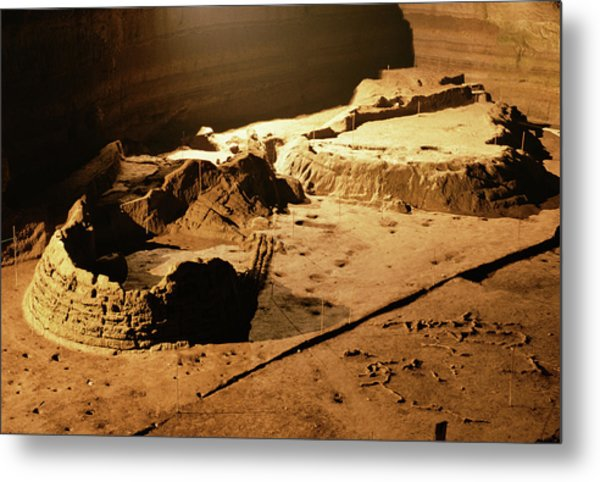 Bronze Age Archaeological Site Metal Print by Pasquale Sorrentino/science Photo Library