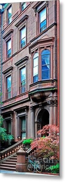 Brooklyn Heights - Nyc - Classic Building And Bike Metal Print