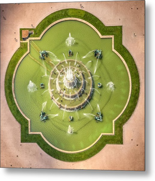 Buckingham Fountain From Above Metal Print