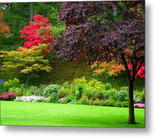 Butchart Gardens Lawn And Tree Metal Print