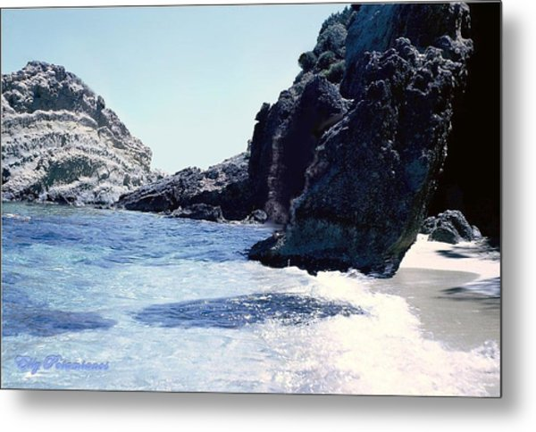 Calming Waves Metal Print