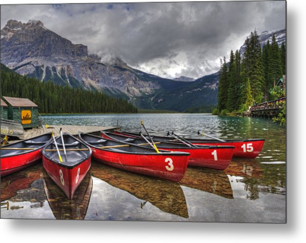 Canoes On Emerald Lake Metal Print