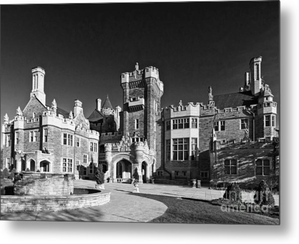 Casa Loma In Toronto In Black And White Metal Print