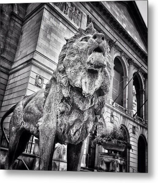 Lion Statue At Art Institute Of Chicago Metal Print by Paul Velgos