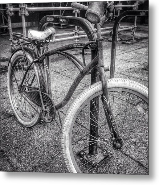 Locked Bike In Downtown Chicago Metal Print