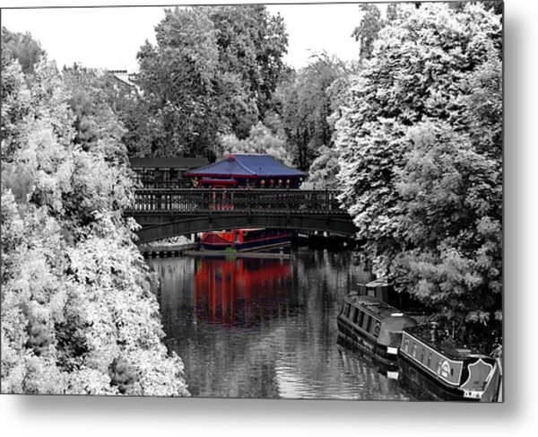Chinese Architecture In Regent's Park Metal Print