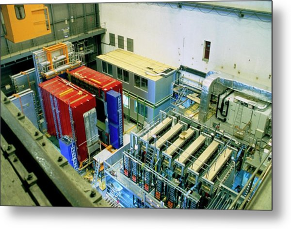 Chorus And Nomad Neutrino Detectors Metal Print by Cern/science Photo Library