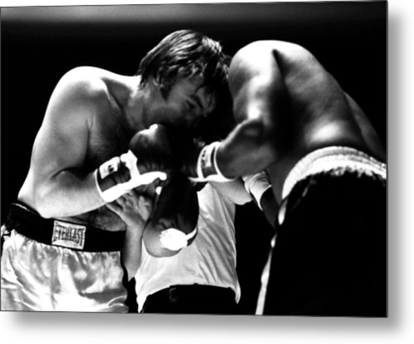 Chuvalo In A Clinch Metal Print