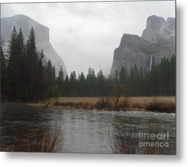 Classic View On A Rainy Day Metal Print