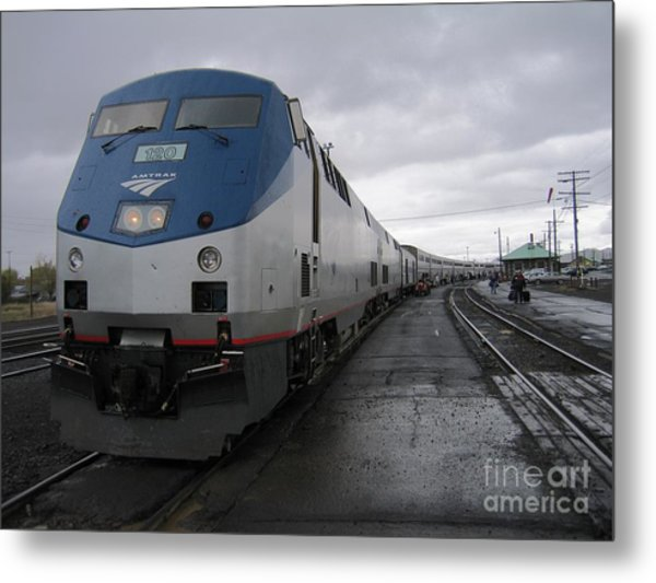Coast Starlight At Klamath Falls Metal Print by James B Toy