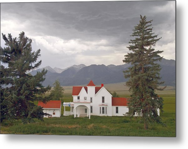 Colorado Farmhouse Photo Metal Print by Peter J Sucy