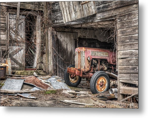 Comfortable Chaos - Old Tractor At Rest - Agricultural Machinary - Old Barn Metal Print