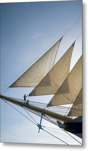 Couple On Bowsprit Of Royal Clipper Metal Print