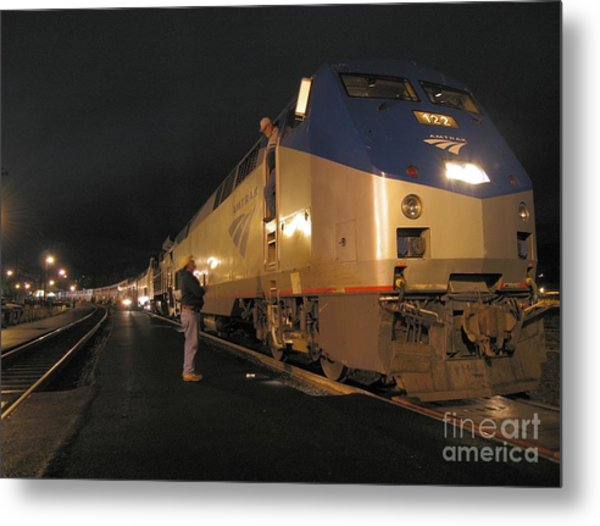 Crew Change At Klamath Falls Metal Print